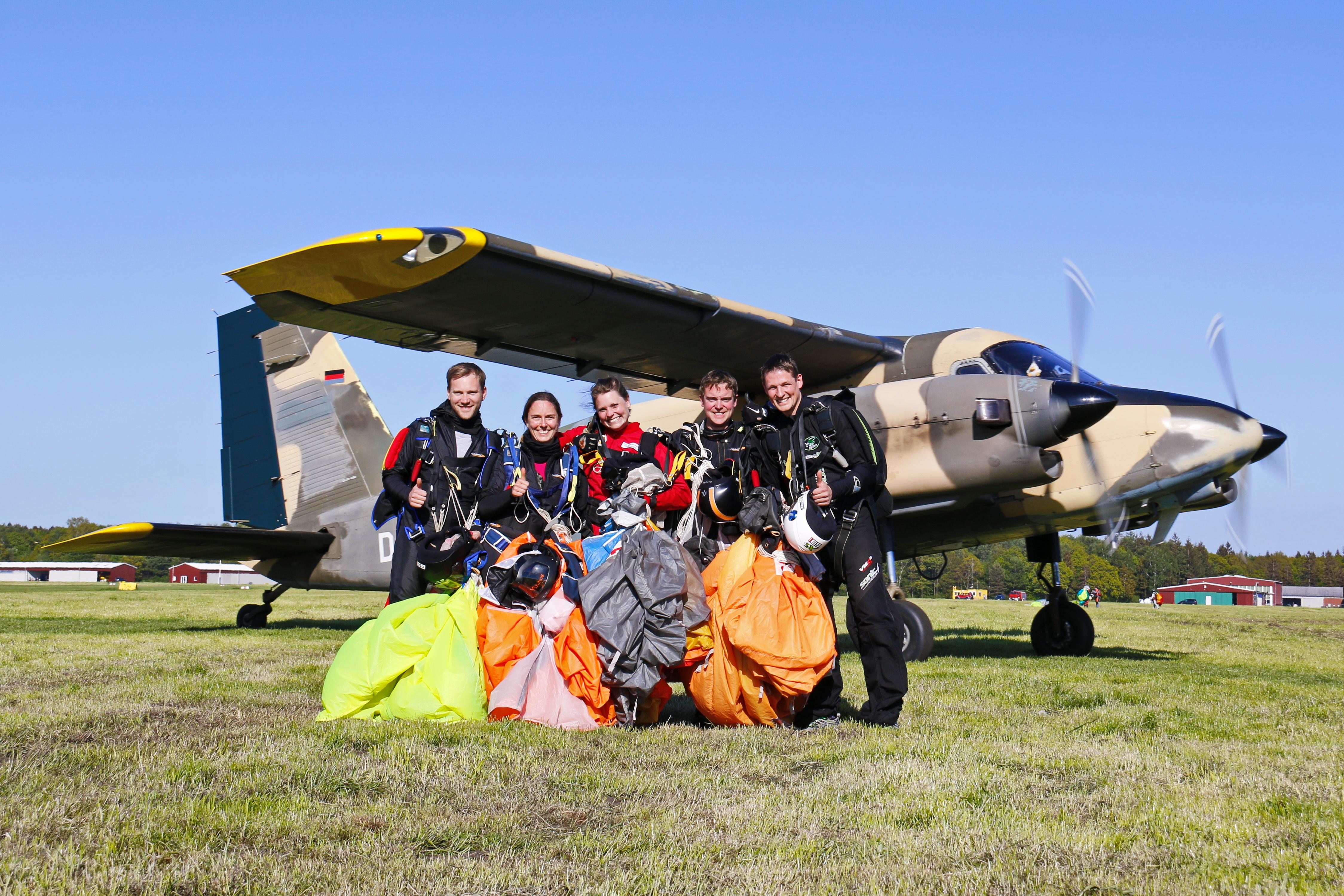 HI-5 YUU Skydive